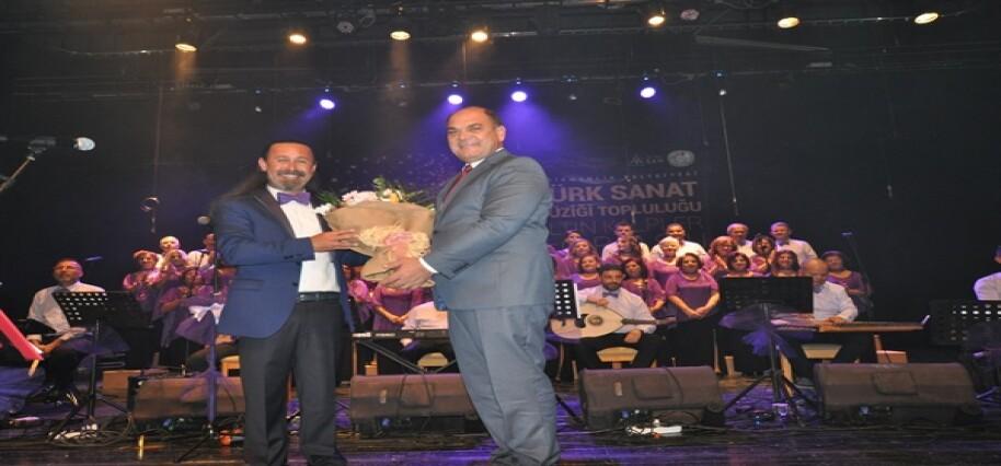 Altın Kalpler Korosu'ndan Türk Sanat Müzüği konseri…