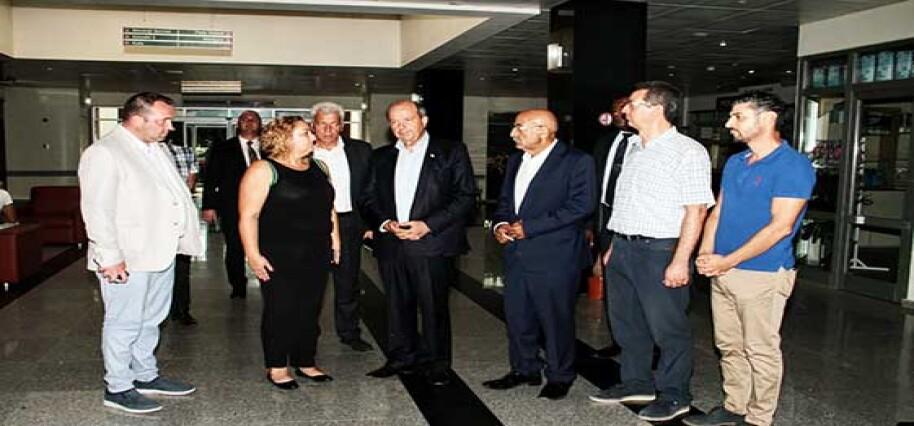 Başbakan Tatar 4 aile ferdini kaybeden Katırcı ailesinin yakınlarını ziyaret ederek başsağlığı diledi