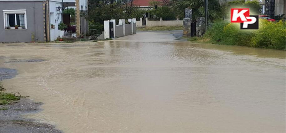 Boğaz – Dikmen arası sağanak yağış etkisi altında