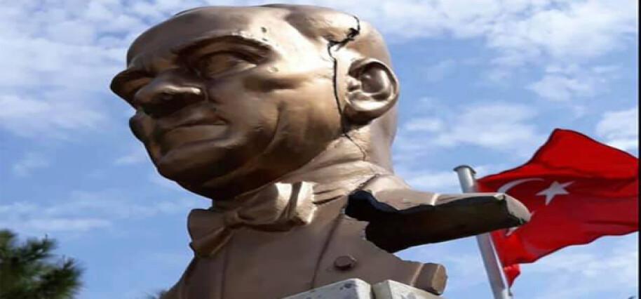 Büyükkonuk'ta Atatürk büstüne çirkin saldırı!