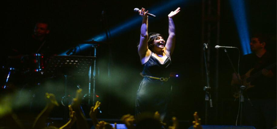 Gönyeli Gençlik Festivali'nde dün akşam Lütfiye Özipek sahne aldı