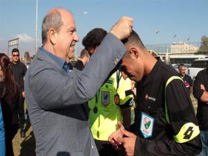 Başbakan Tatar, Ada Gökçe Anı Turnuvasını izledi