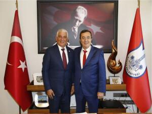 Özçınar, Kıyı Ege Belediyeler Birliği Başkanı Batur ile görüştü