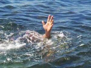 Yeniboğaziçi'nde dalgalı denize giren bir kişi boğularak hayatını kaybetti