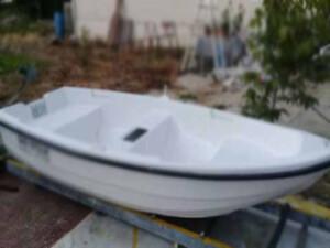 Fiber tekne su alınca 3 kişi boğulma tehlikesi geçirdi
