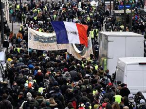 Fransa'da göstericiler yine sokağa çıkacak