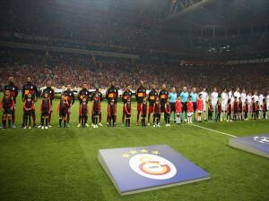Galatasaray, Şampiyonlar Ligi'nde sezonu Paris'te kapatıyor