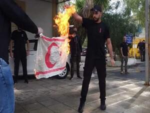 """Kıbrıs Türk Gençlik Birliği İngiltere: """"Uluslar birbirlerinin sembollerine saygı göstermek zorunda"""""""