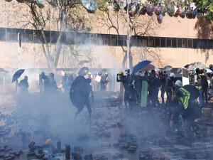 Protestolar Hong Kong'u toplumsal kaos noktasına sürükledi