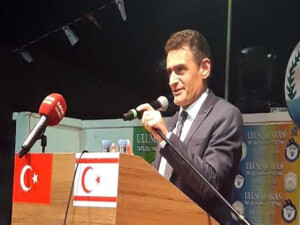 """Tarım Bakanı Oğuz: """"Harnup fiyatlarını üretici belirlemeli"""""""