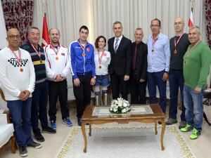 Uluçay, uluslararası organizasyona katılan sporcu heyetini kabul etti