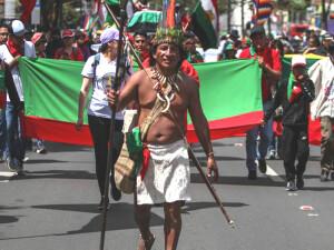 Kolombiyalı yerliler hükümeti tehdit etti