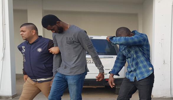 Zorla hesaplarına para aktartmakla suçlanan zanlılar tutuksuz yargılanacak