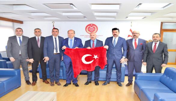 """Tatar: """"Uluslararası platformlarda direkt uçuşlar için yoğun çalışma temposuna girmeliyiz"""""""