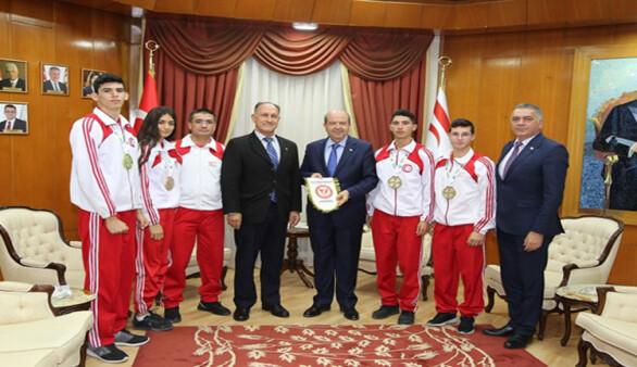Başbakan Tatar, Kickboks Federasyonu heyetini kabul etti