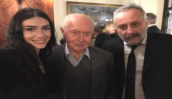 Hazar Ergüçlü Rum eski lider Vasiliu ile fotoğraf çektirdi