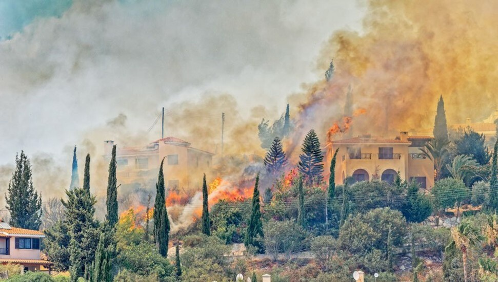 Baf'ta büyük yangın: Evler boşaltıldı!