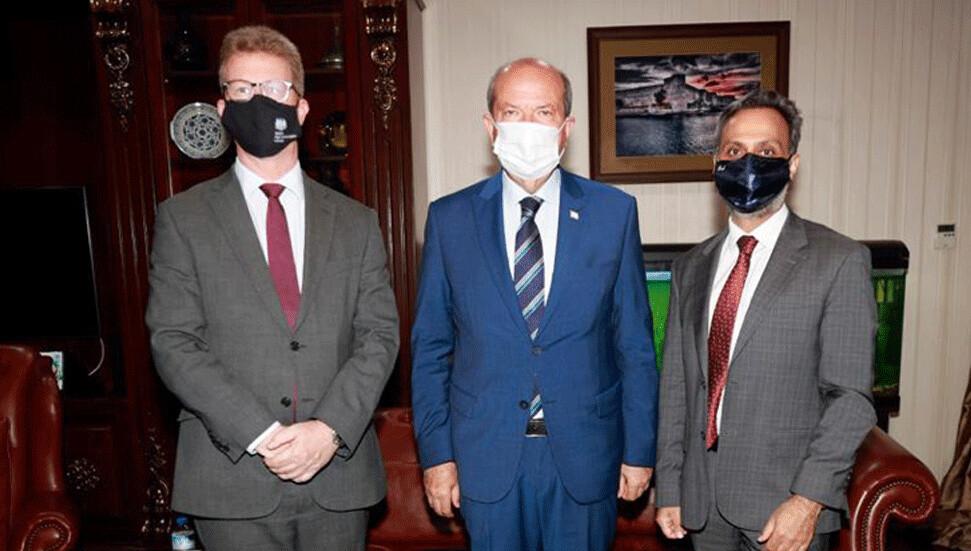 Cumhurbaşkanı Ersin Tatar, İngiliz yetkililerle görüştü