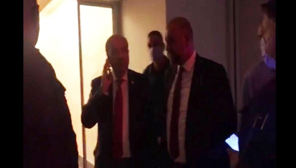 BAY-SEN Başbakan Ersin Tatar'ın BRT'ye girmesini engellemeye çalıştı