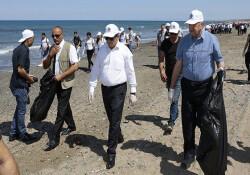 """Akıncı, """"Temiz Düşün"""" projesi kapsamında Akdeniz köy sahilinde çevre temizliği etkinliğine katıldı"""