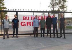 Bağımsızlık Yolu Mağusa Örgütü K-PET işçilerinin grevine destek ziyareti gerçekleştirdi