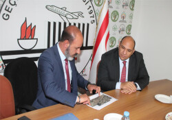 Bakan Atakan, Geçitkale Belediye Başkanı Öztaş'ı ziyaret etti