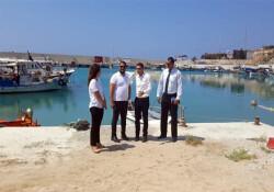 Bakan Oğuz'dan Yenierenköy Balıkçı Barınağı'na ziyaret