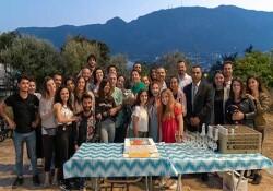 """GAÜ heyeti, """"Müstakbel Damat"""" filminin Kıbrıs final çekiminde, sete ziyarette bulundu"""