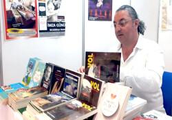 Hasan Çakmak, TÜYAP Kitap Fuarı'na katıldı