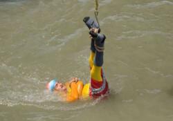 Houdini'nin gösterisini yapmak istedi, nehirde boğuldu