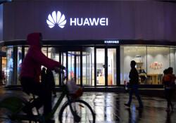 Huawei boykotuna Facebook da katıldı