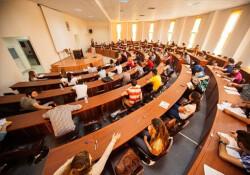 KKTC'deki tüm üniversitelerde devam zorunluluğu merkezi sistemden kontrol altında