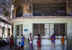 Küba halkı sınırsız internet ve 3G ile tanışacak
