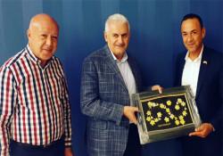 Lapta Belediye Başkanı Aktuğ, Binali Yıldırım ile bir araya geldi