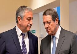 """Kıbrıs sorunuyla ilgili haberler... """"Hareketli kumda adımlar"""""""