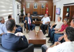 """Maliye Bakanı Amcaoğlu, Kıbrıs Türk İnşaat Taşeronları Birliği'ni kabul etti: """"Kayıt dışı ekonomi"""" konuşuldu"""