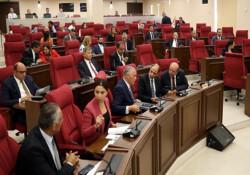 """Meclis'te """"Öğretmenler Değişiklik Yasa Tasarısı"""" görüşülüyor"""