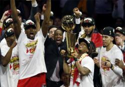 Toronto Raptors, NBA şampiyonluğuna ulaşan ilk Kanada takımı oldu