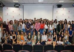 UKÜ Eğitim Fakültesi öğrencilerinin dönem boyunca gerçekleştirdikleri topluma hizmet projeleri tanıtıldı