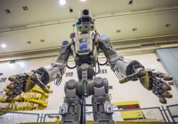 Uzaya 'insansı robot' gönderildi