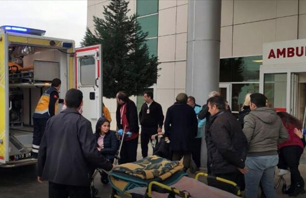 Çorum'da gazdan zehirlenen 103 öğrenci hastaneye kaldırıldı