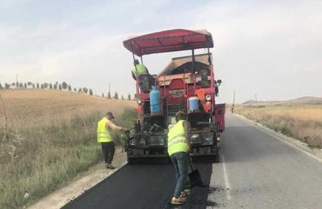 Yol bakım-onarım çalışmaları sürüyor