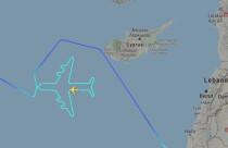 Son uçuşunda Kıbrıs semalarında uçağın siluetini çizdi