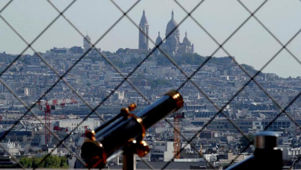 Η Γαλλία μπορεί να εισέλθει σε καραντίνα για τρίτη φορά