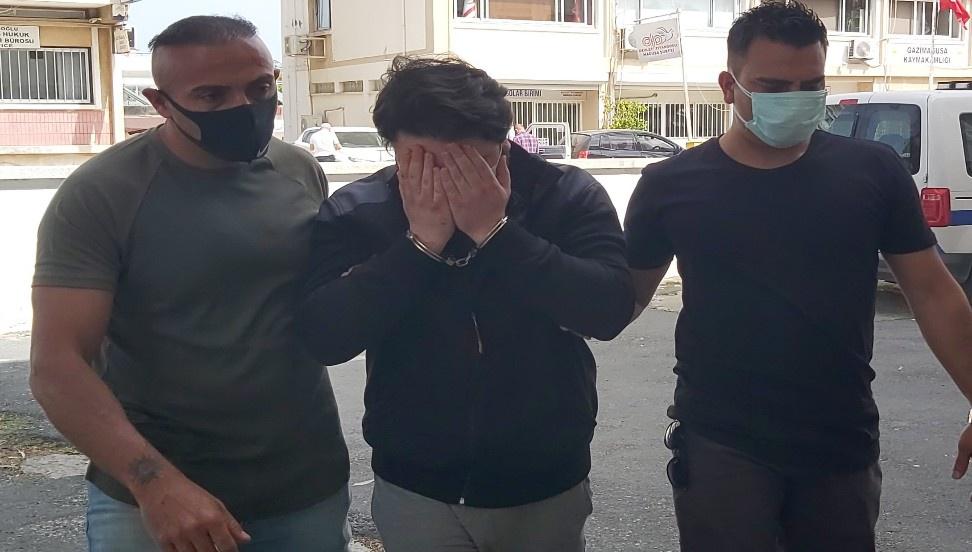 Τράβηξε ένα μαχαίρι στο διαμέρισμα, επιτέθηκε στην αστυνομία