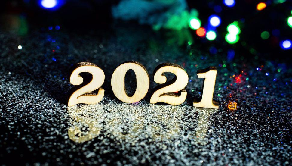 Το νέο έτος καλωσορίζεται στη σκιά της πανδημίας …