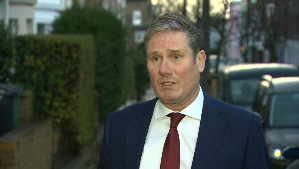 Το Εργατικό Κόμμα στην Αγγλία υποβάλλει επείγουσα πρόταση «εθνικής καραντίνας» εντός 24 ωρών