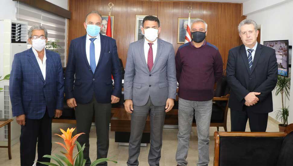 Ο Dursun Oğuz αποδέχτηκε την αντιπροσωπεία του Martyr Families and the Disabled Veterans Association.