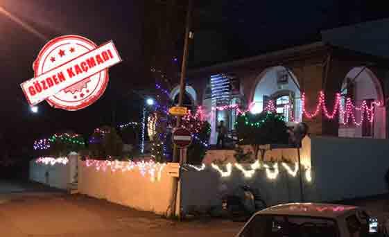 Ilginç Süsleme Kazafana Camisi Christmasa Hazır