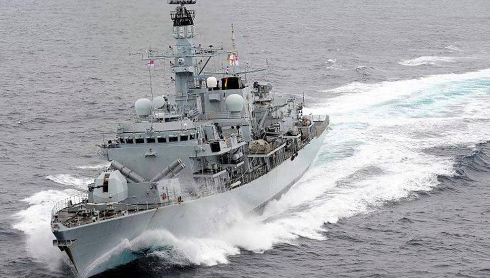 Η Βρετανία στέλνει επίσης πολεμικά πλοία στη Μαύρη Θάλασσα